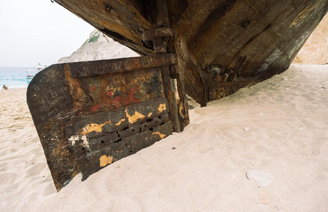 Части корпуса корабля на Закинфе