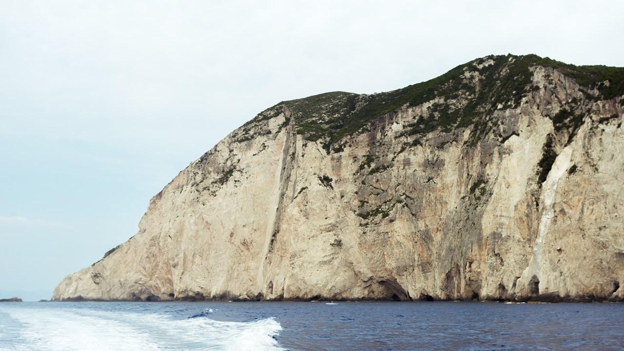 Высокие скалы Закинфа
