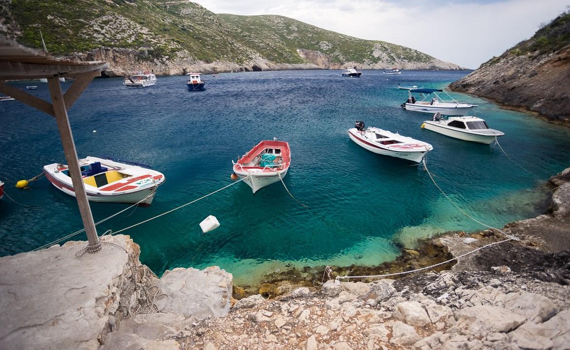 Причал для лодок в Porto Vromi
