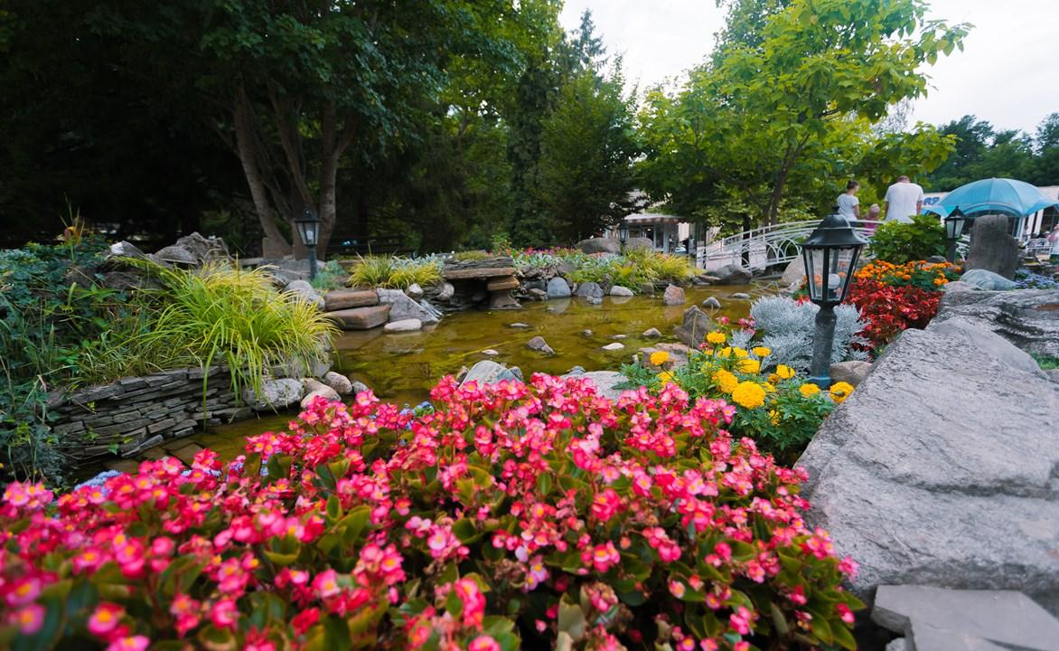 Летом в курортной зоне Горячего ключа очень красиво