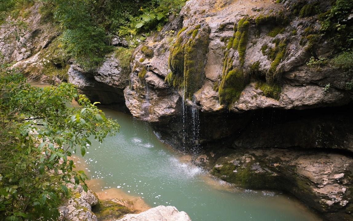 """Водопад """"Страж Гуамского ущелья"""""""