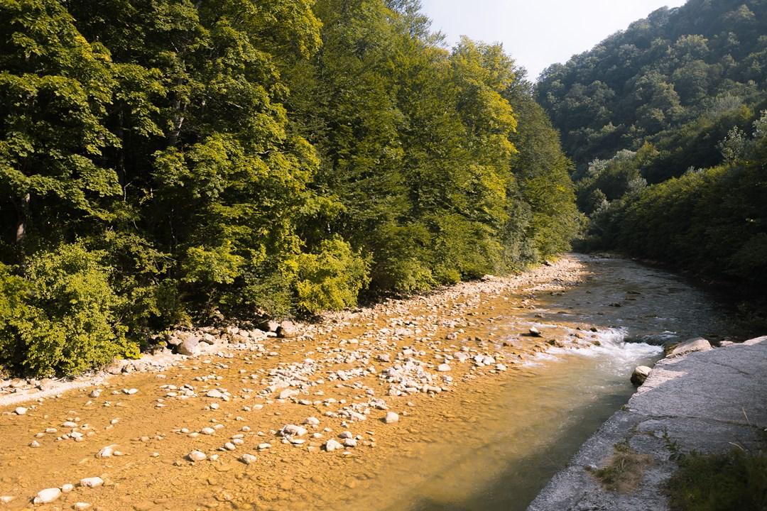 Низовье реки Курджипс около отеля Гуамка