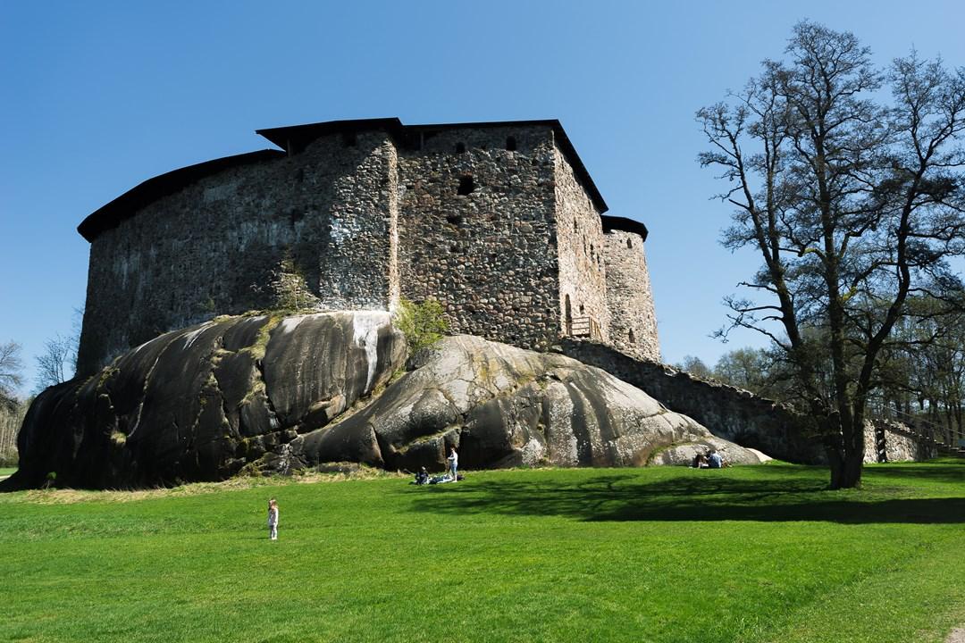 Расеборгский замок был построен в 1370 году на гладких скалах