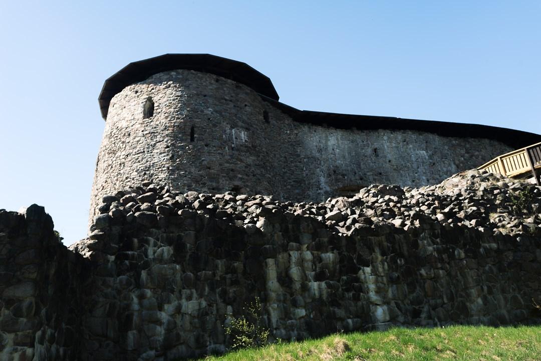 Средневековый европейский замок 14 века практически в своем первозданном виде