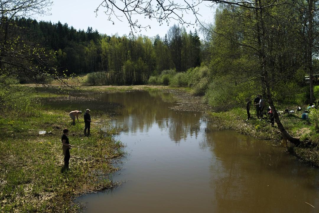 Рыбаки на рекеRaaseporinjoki