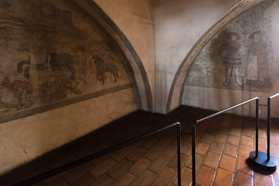 Сохранившиеся рисунки на стенах Абоского замка