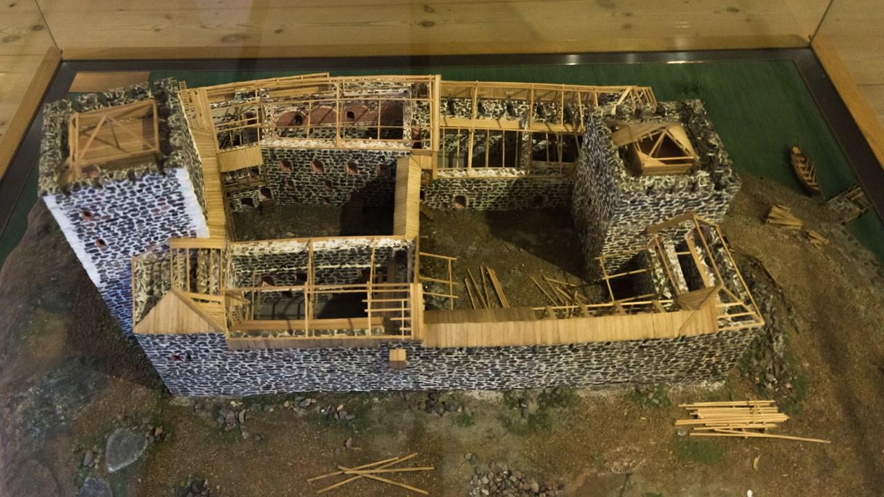 Внутри замка воссоздали всю историю его постепенной постройки