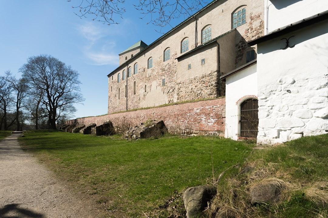 Замок Турку построили в 1280 году, а новые корпуса достраивали до 1961 года, расширяя его территорию