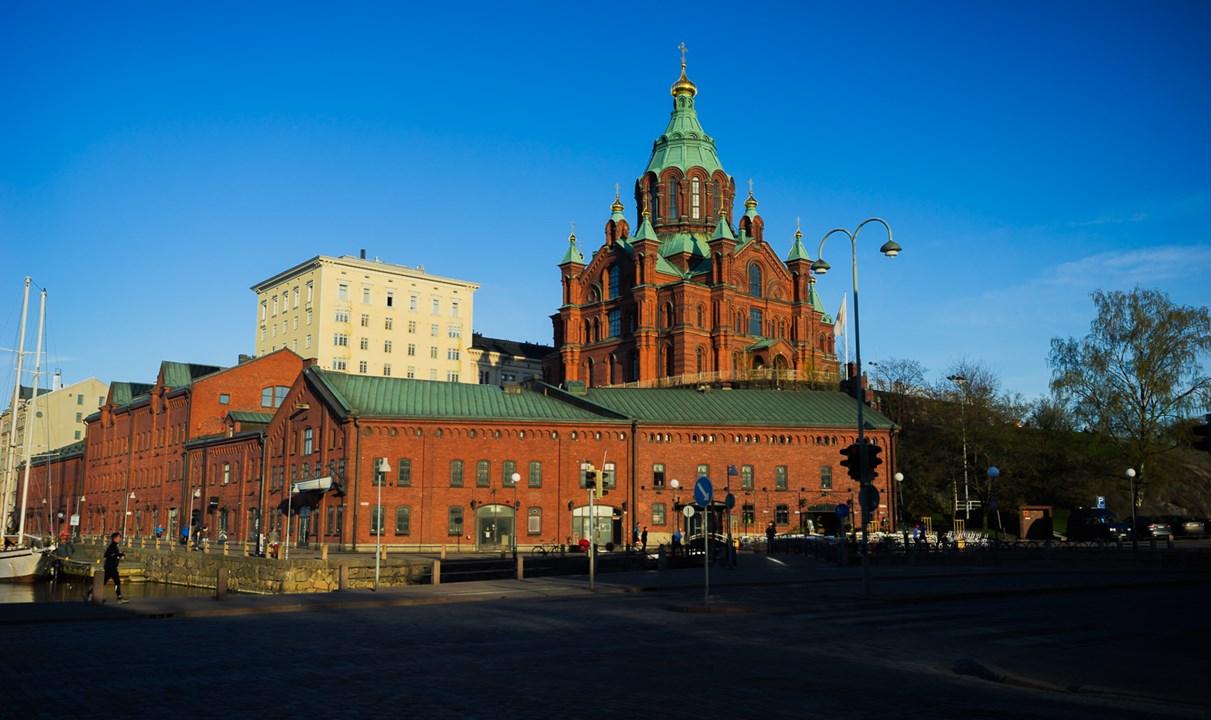 51-метровый Успенский собор из красного кирпича