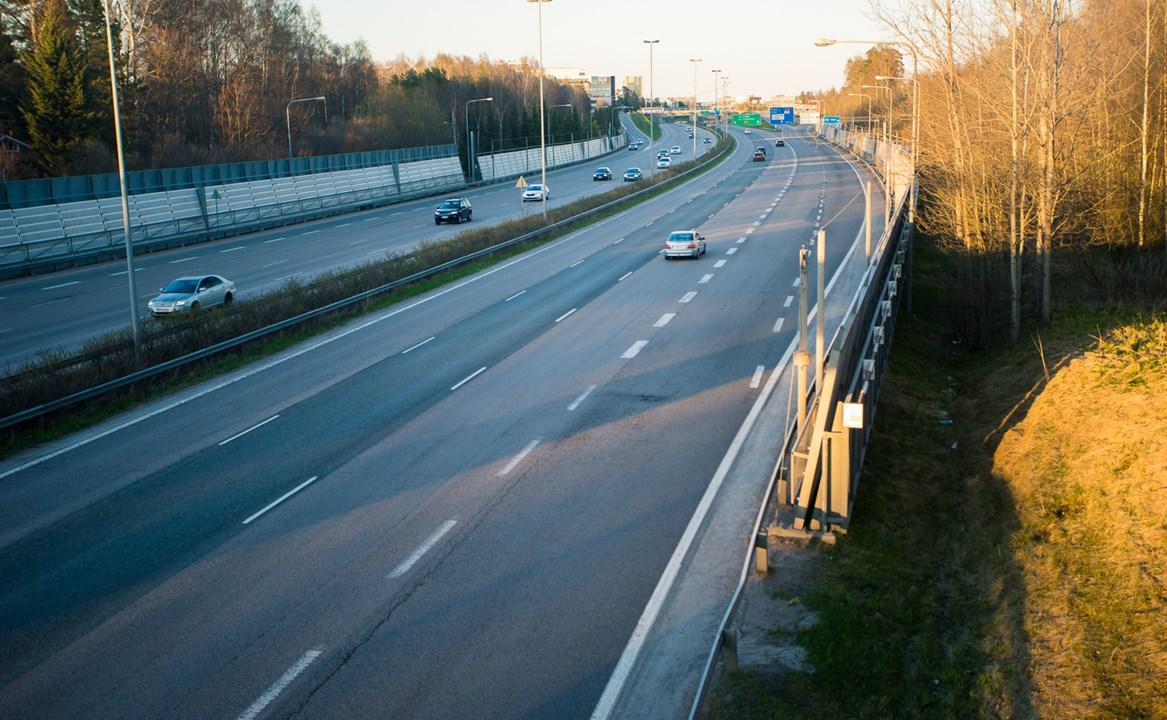 Трасса №51, проходящая через город Эспоо из Хельсинки