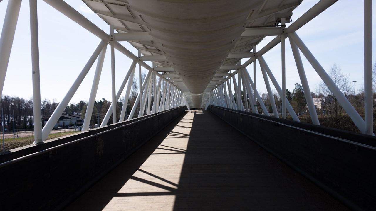 Мост через трассу №51 в Эспоо