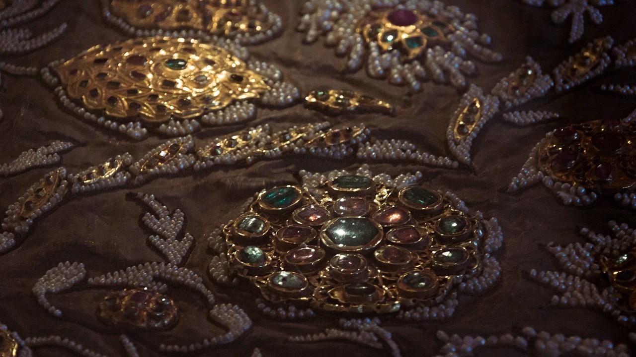 Драгоценные камни и ювелирная работа